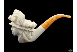 Meerschaum woman with hat pipe