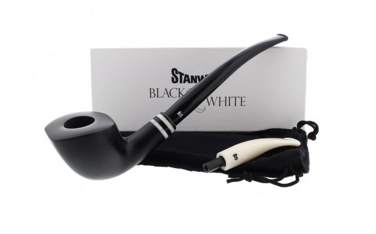 Black & White 404 Stanwell pipe