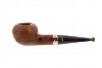 Short pipe with horn mouthpiece