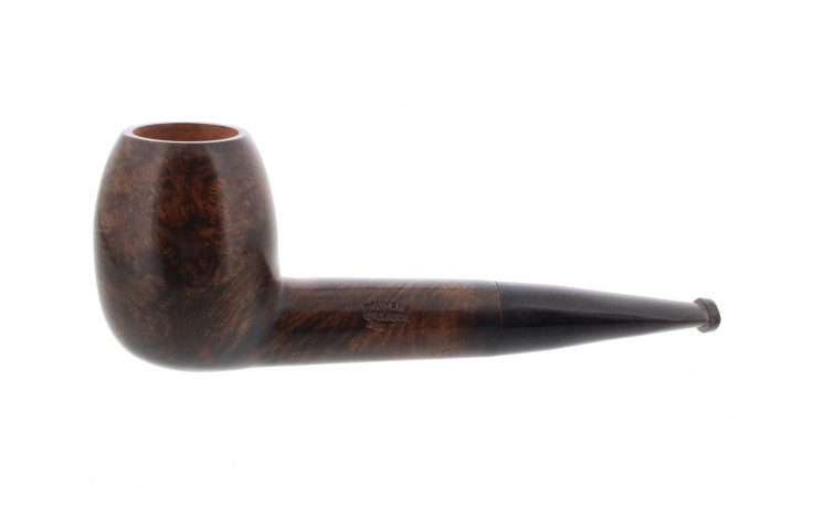 Cheap smoking pipe (horn mouthpiece, rounded shape)