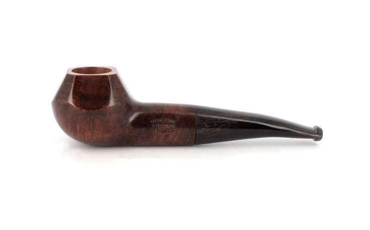 Faceted pipe with horn stem