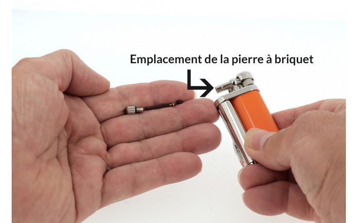 Savinelli pipe lighter (laquered orange)