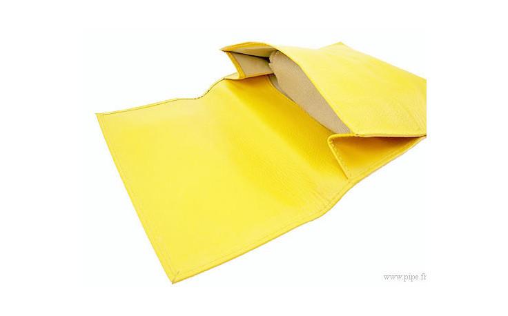 Blague à tabac Chacom en cuir jaune cc0011