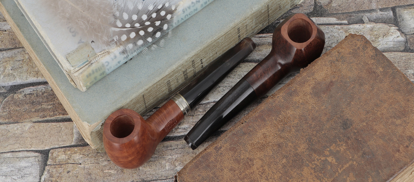 Classic pipes with a horn stem