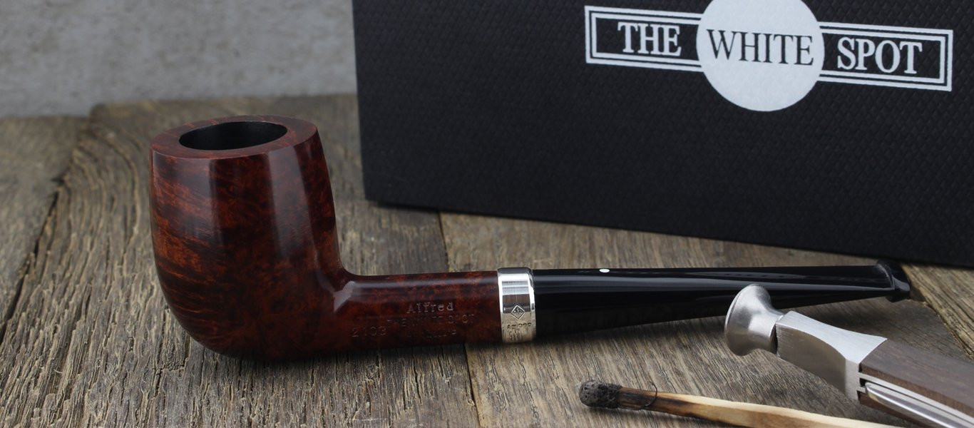 Amber Root 2103 Dunhill pipe (silver ring)